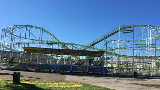 Super Cyclone Roller Coaster